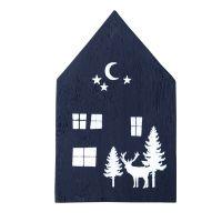 Holzhaus. Hirsch mit Mond