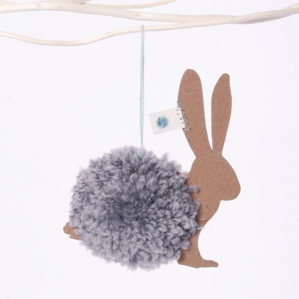 "PomPom Ornament ""Brauner Hase"""