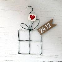 """X-Mas Draht-Ornament """"Geschenk 24.12."""""""